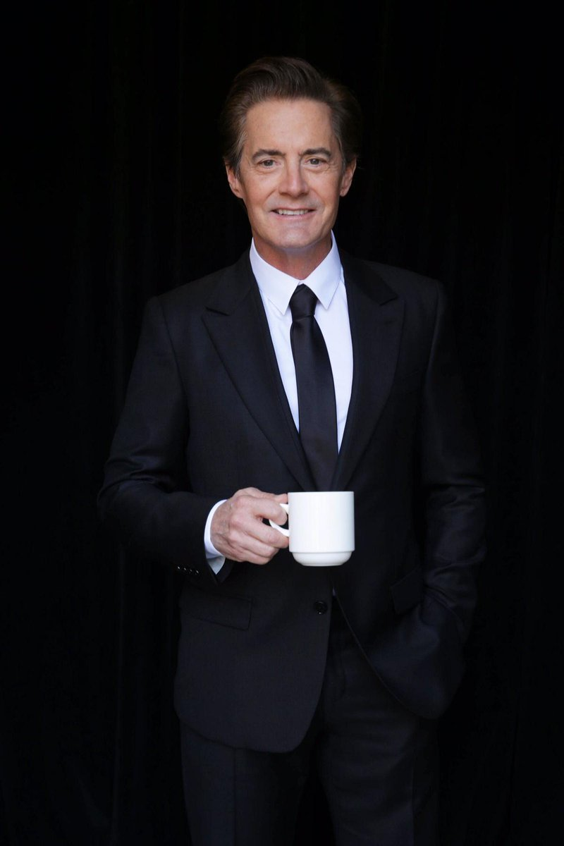 Welcome back to #TwinPeaks Special Agent Dale Cooper! @Kyle_MacLachlan returns in '16 on @SHO_Network #damnfinecoffee http://t.co/vTphDLvR0y