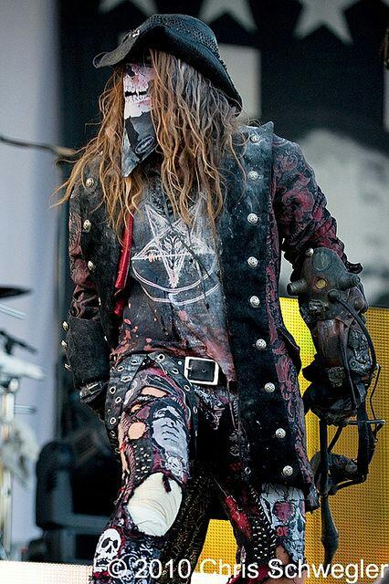 Happy birthday (monday) to the legend and genius that is Rob Zombie. 50 years young would you believe!!!