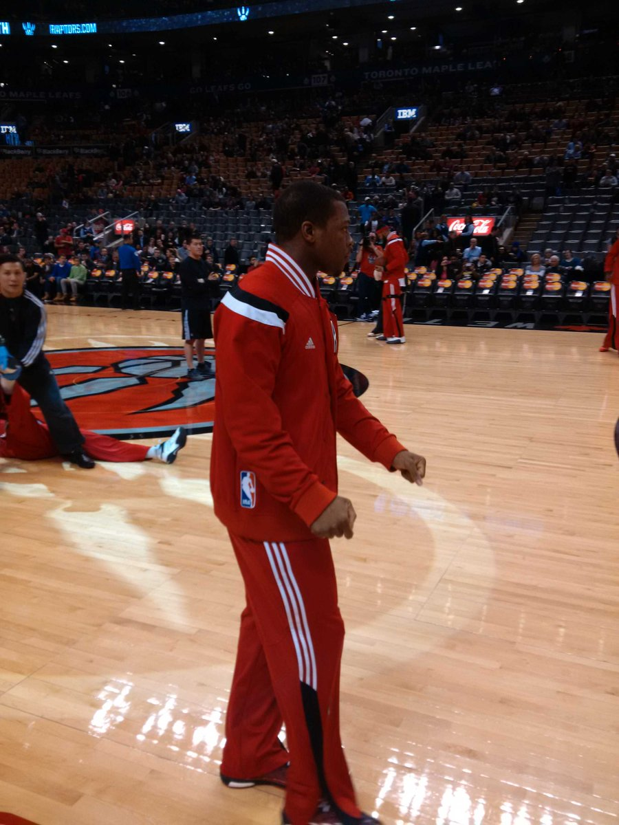 """Say it with me """"Kyle Lowry #NBABallot"""" @Klow7 @Raptors #WeTheNorth http://t.co/v6Bhn461yk"""