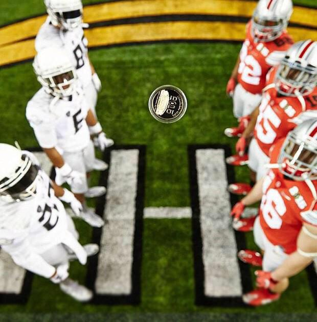 This isn't a photo. It's a miracle. #OREvsOSU http://t.co/efbpgYMN38