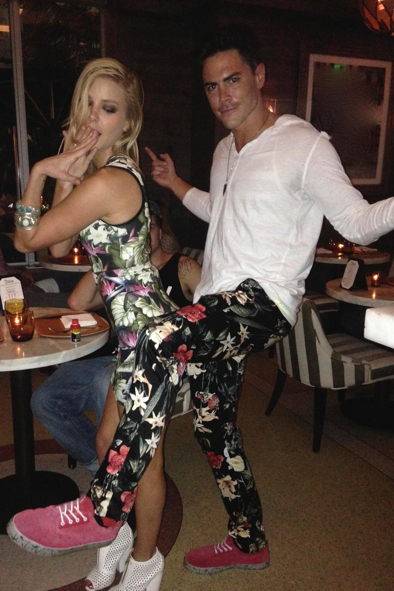 Don't cry girl you look good in those matching florals @ariana2525 @TomSandoval1 #matchy #PumpRules http://t.co/LmPKni63bV