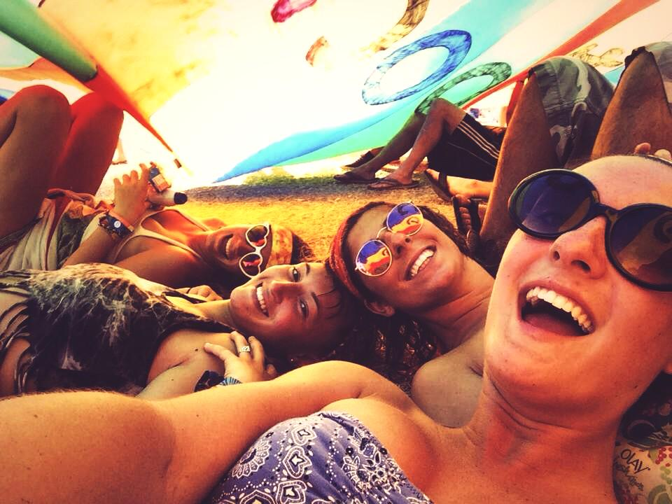 Can't wait to be reunited with my soul sistassss on the farm #RooCrew #backtoroo http://t.co/8AV7D90OU1