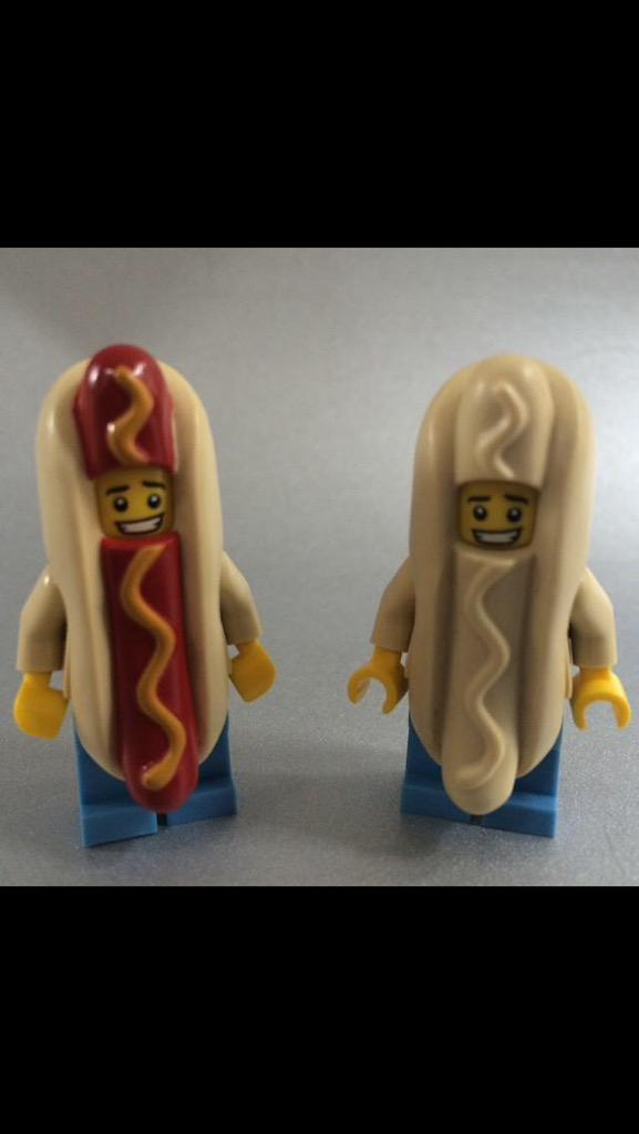 Wow I seriously need to get me some of these - I LOVE them! :o) RT @TheRingBar: And that's TWO @BigAppleHotDogs !! http://t.co/68rW5HUVM0