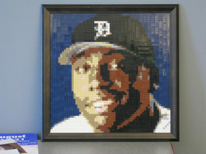 Happy birthday to Dontrelle Willis. He was the first player to reach out to me to commission a mosaic.