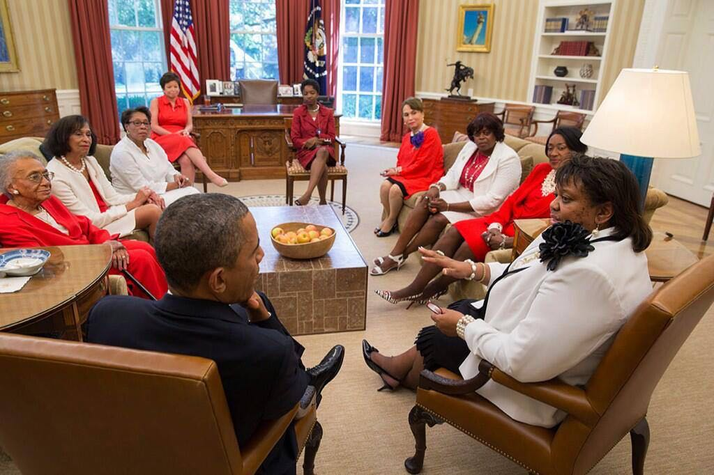 THESE are REAL Sorority Sisters!! OO-OOP!!! #DST102 http://t.co/LdAPzyEyRq