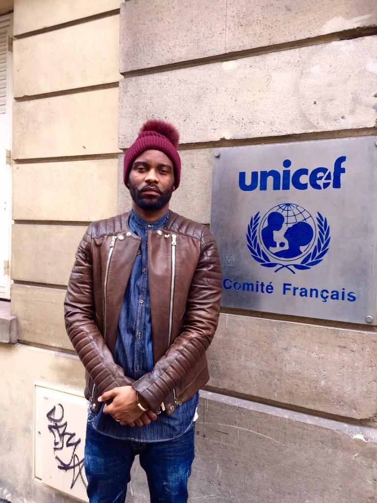 Inspiré par les actions de la jeunesse africaine pour #stopebola @unicef_france #unicefafrica #kickebolaout http://t.co/erWqZADNIT