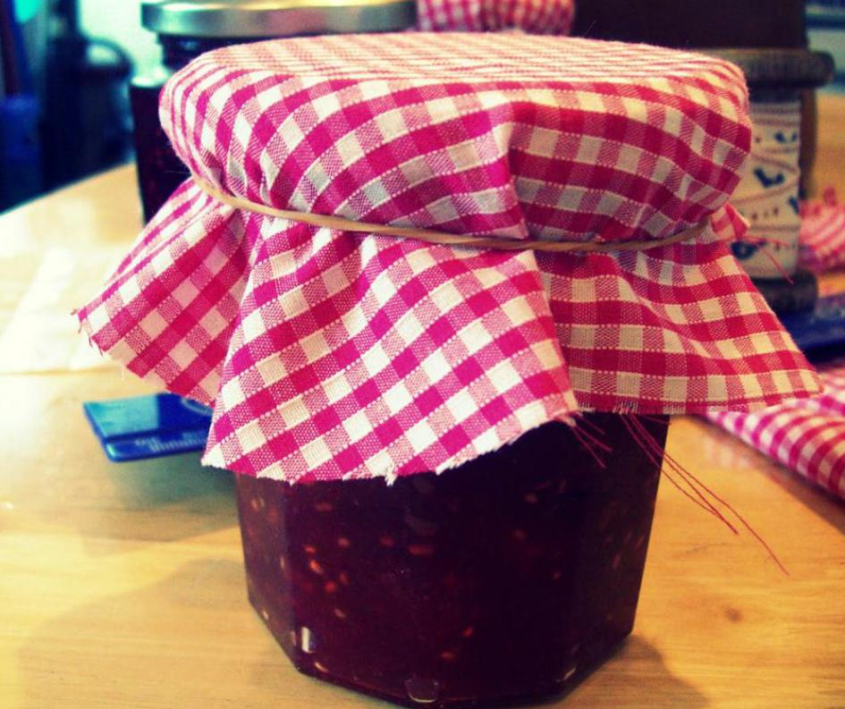 Jam jars across the Britain have to wear hijab in order to be halal. #foxnewsfacts http://t.co/0tIMikbHiT