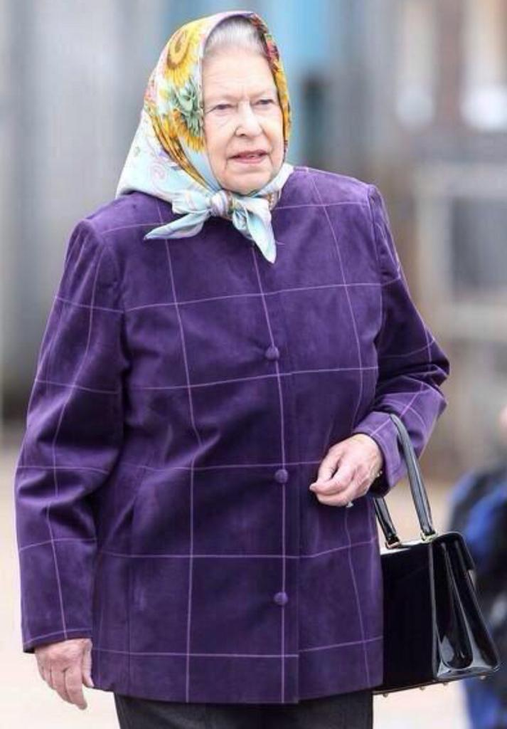 The Queen is now being forced to wear a hijab by 'Moslems' due to the sharia law enforcement in the UK #foxnewsfacts http://t.co/WmFrWdtqax