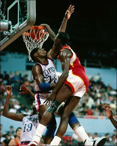 Happy 55th birthday to 2x NBA dunk champion Dominique Wilkins AKA the Human Highlight Reel!