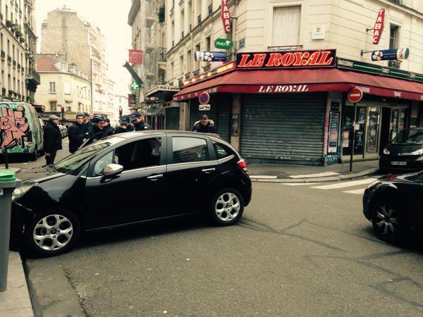 """""""Charlie Hebdo"""" : les théories conspirationnistes démontées point par point http://t.co/Xo8EqzMCo8 http://t.co/Y2MY3rwcIX"""