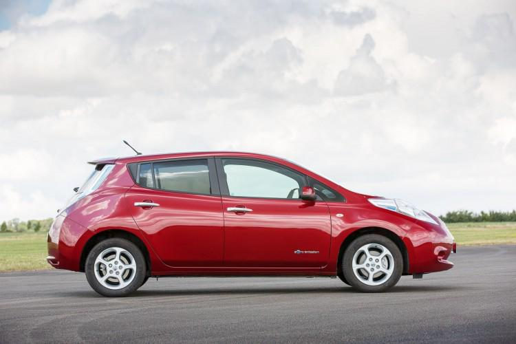 In 2014 we have welcomed 30,200 new #LEAF owners. RT to help us celebrate! http://t.co/o6rGtPbhhQ