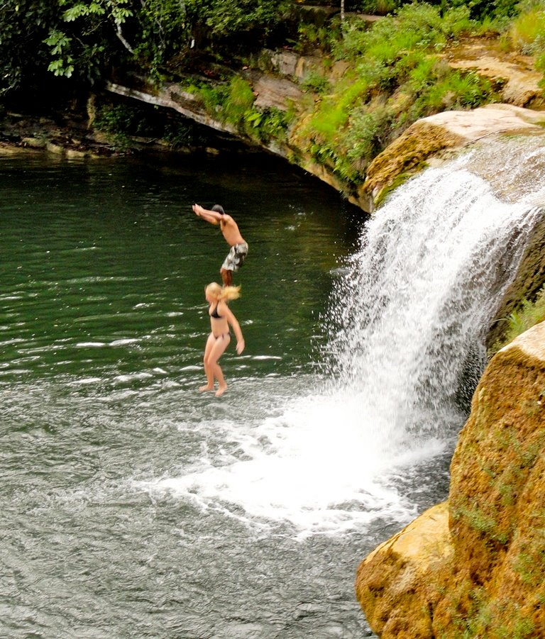 RT @TideTours: This cascading flow of fresh water is yours to enjoy only in #Toledo, #Belize at the Rio Blanco National Park. http://t.co/S8uJ6IAt8z