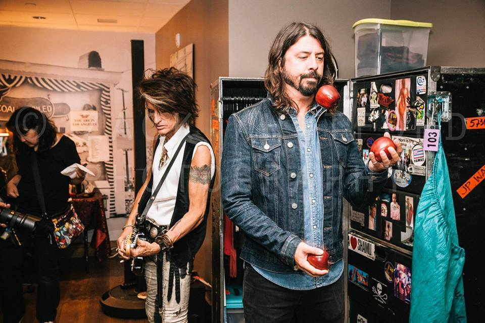 Born 14JAN1969 Dave Grohl. @JoePerry and Dave Grohl  photo by Zack Whitford. http://t.co/TBBWc7F6t6