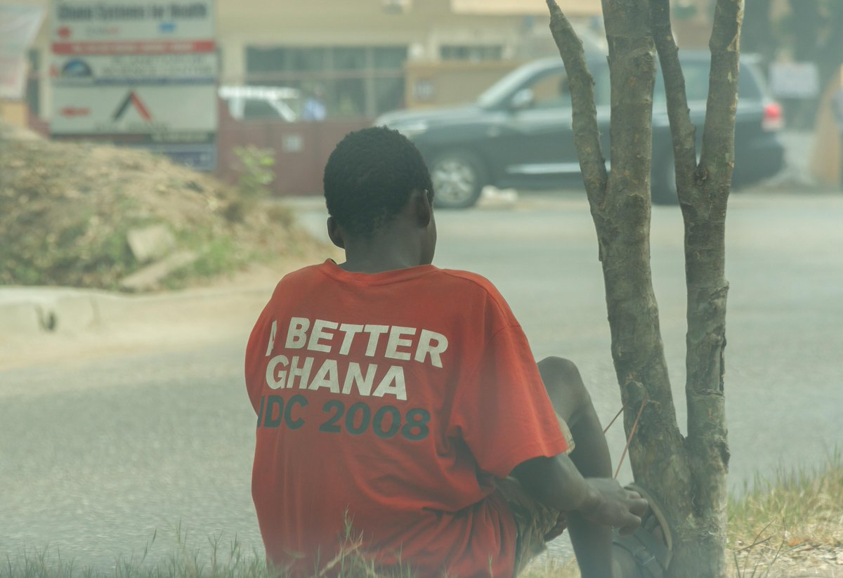 Saw this kid begging at the Fire Service HQ traffic light. His t-shirt was striking. #Ghana http://t.co/i1bvx6qtgL
