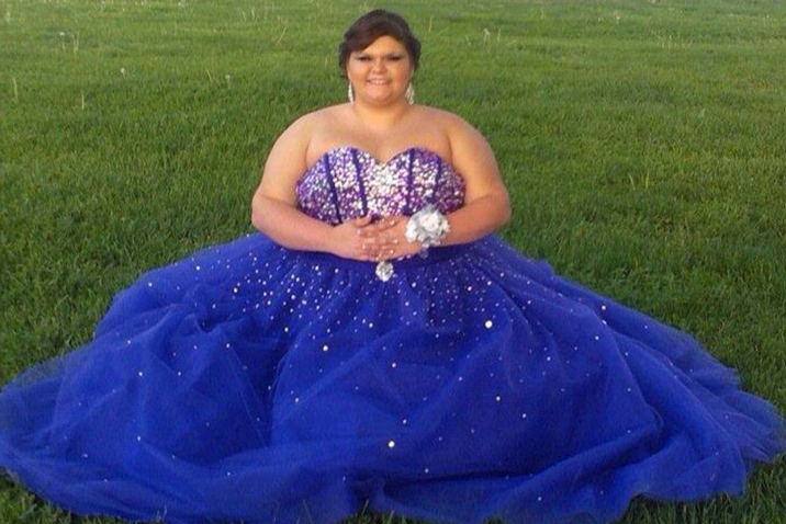 Facebook bullies target teen over prom dress picture - her ...