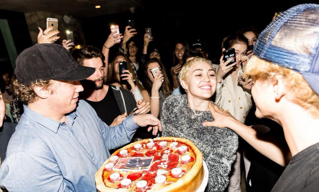 Miley at Cody Simpson\s birthday party! So happy!