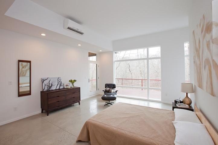 RT @MitsubishiHVAC: Check Out This Cozy Bedroom With Our HVAC...STUNNING! # Share http://t.co/m1OFV3o3J4