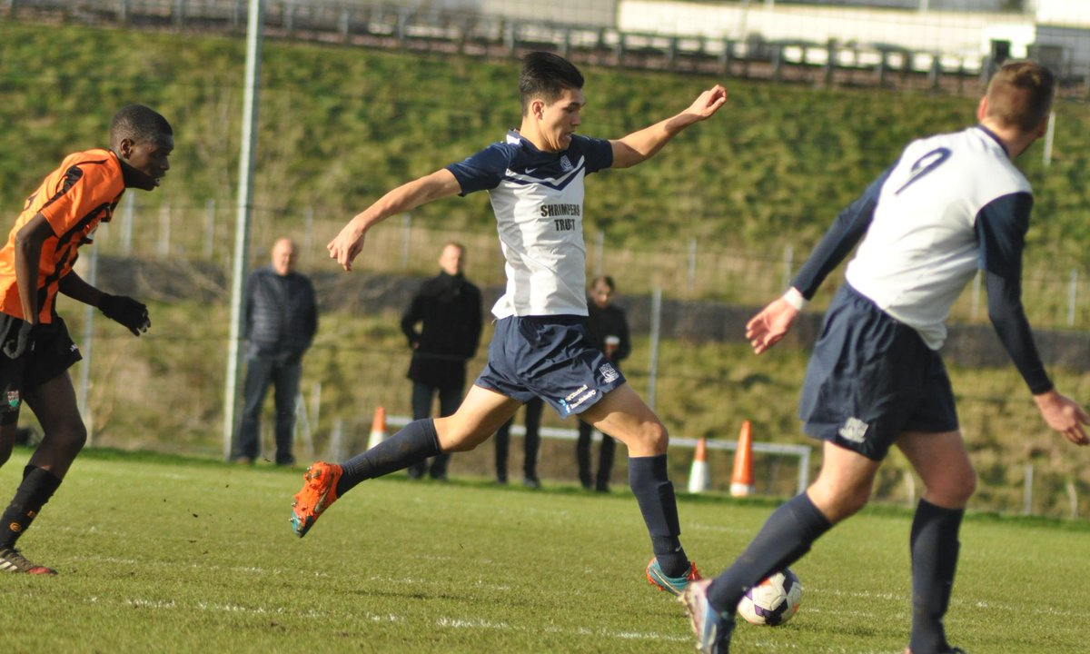 Matsuzaka tipped to be Southend's next young star http://t.co/WpDIp6SAG1 #southend http://t.co/C3Eysu20iY