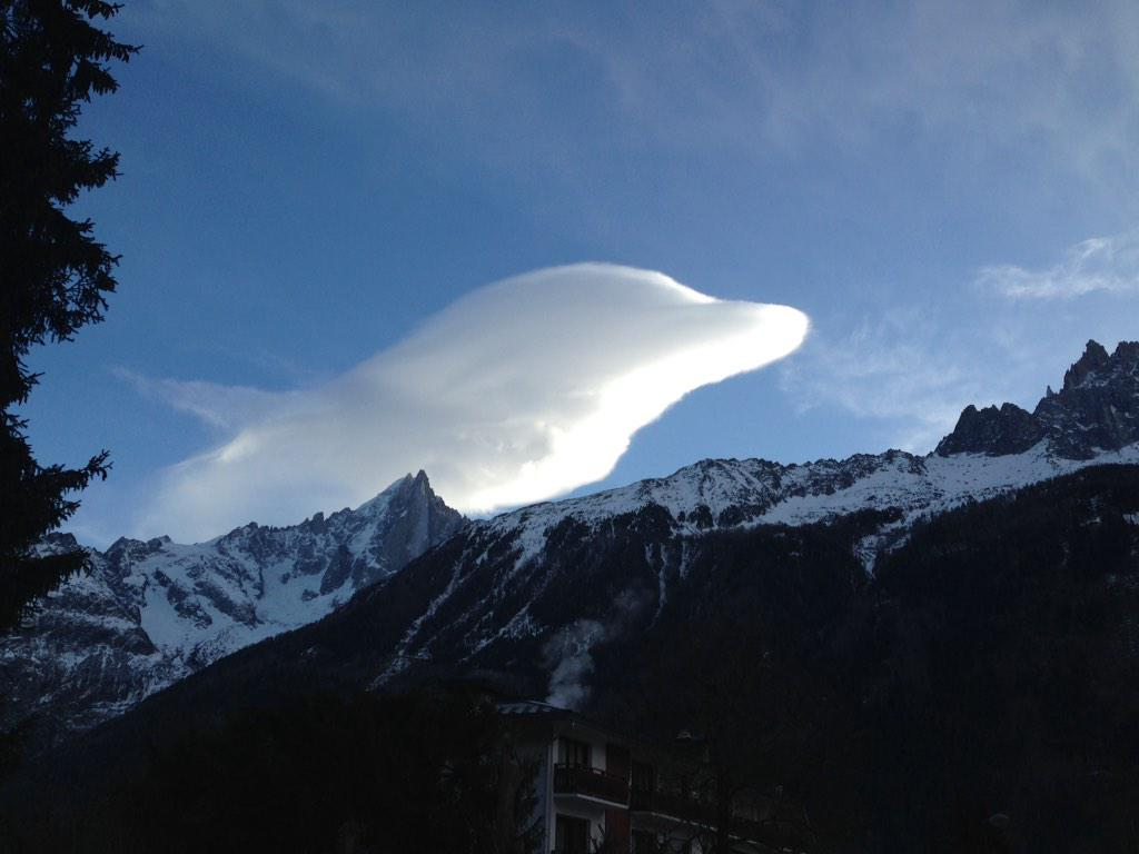 So yesterday we had a dolphin leaping over the Drus and Aiguille Verte #Chamonix http://t.co/6RuXrca2xi