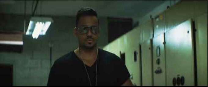 Mucha acción en el nuevo video musical de @RomeoSantosPage y @MarcAnthony! El adelanto en @PrimerImpacto @Univision http://t.co/iJKW9l8uqx