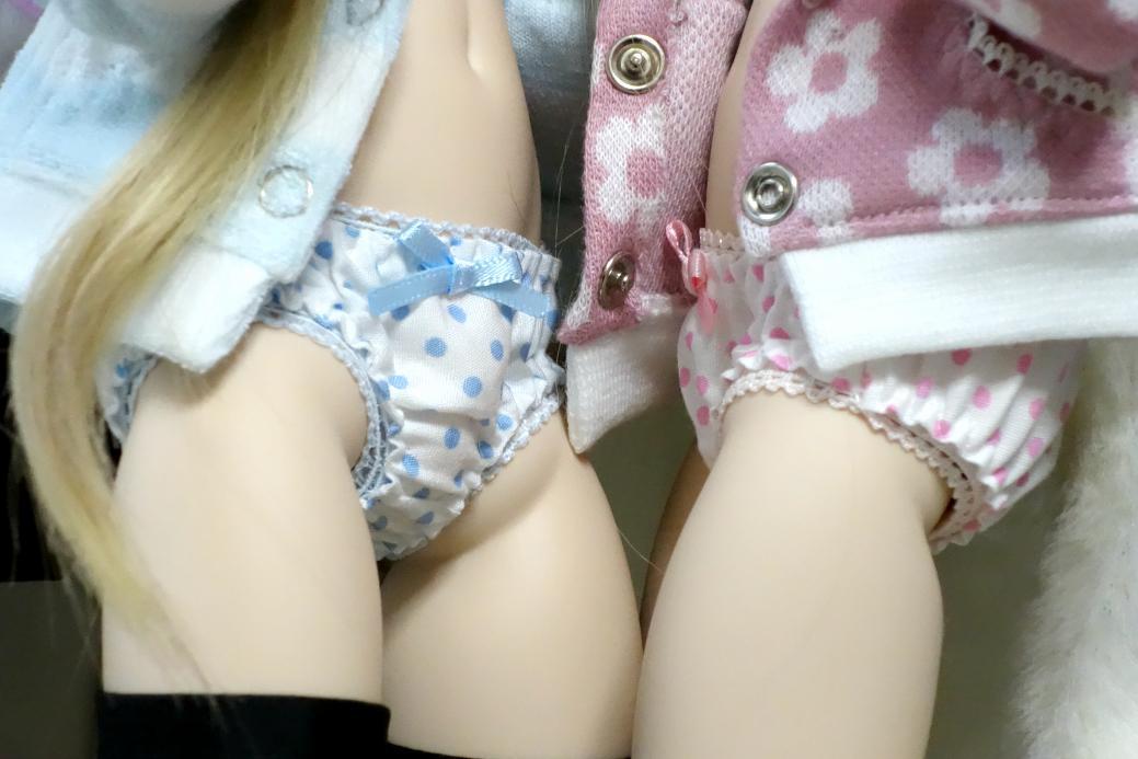 女子高生のスベスベの太もも パンツ見えそう [転載禁止]©2ch.net [462593891]->画像>19枚