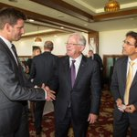 RT @AustradeIndia: .@AndrewRobbMP with @bhogleharsha @kaspa369 at #MatchAustralia business lunch.  #ABWI2015 http://t.co/HBujzwYwGv