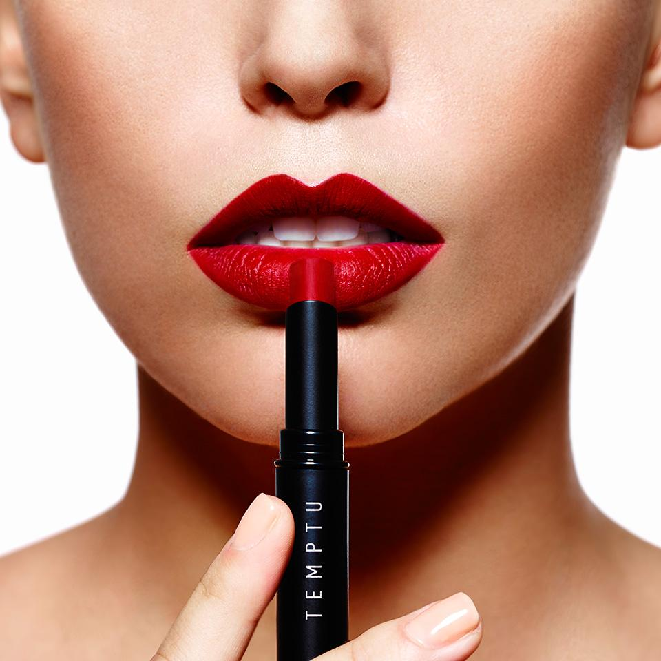 #ReadMyLipstick | The secret is out!  Discover new professional Color True lipstick & lipgloss http://t.co/9pBMBN57JB http://t.co/yXgnYPAifV