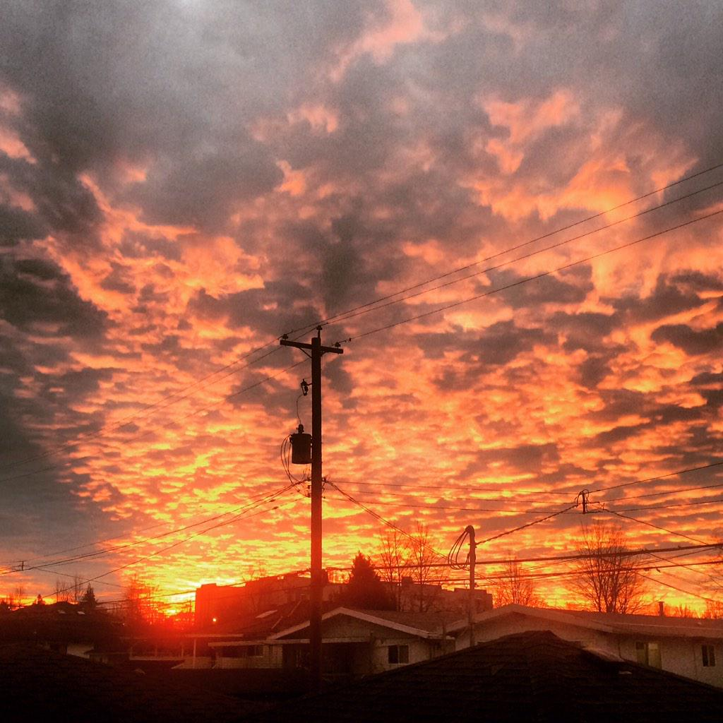 Outrageous sky! #yvr @amybp76 http://t.co/SH4wrvPdHo