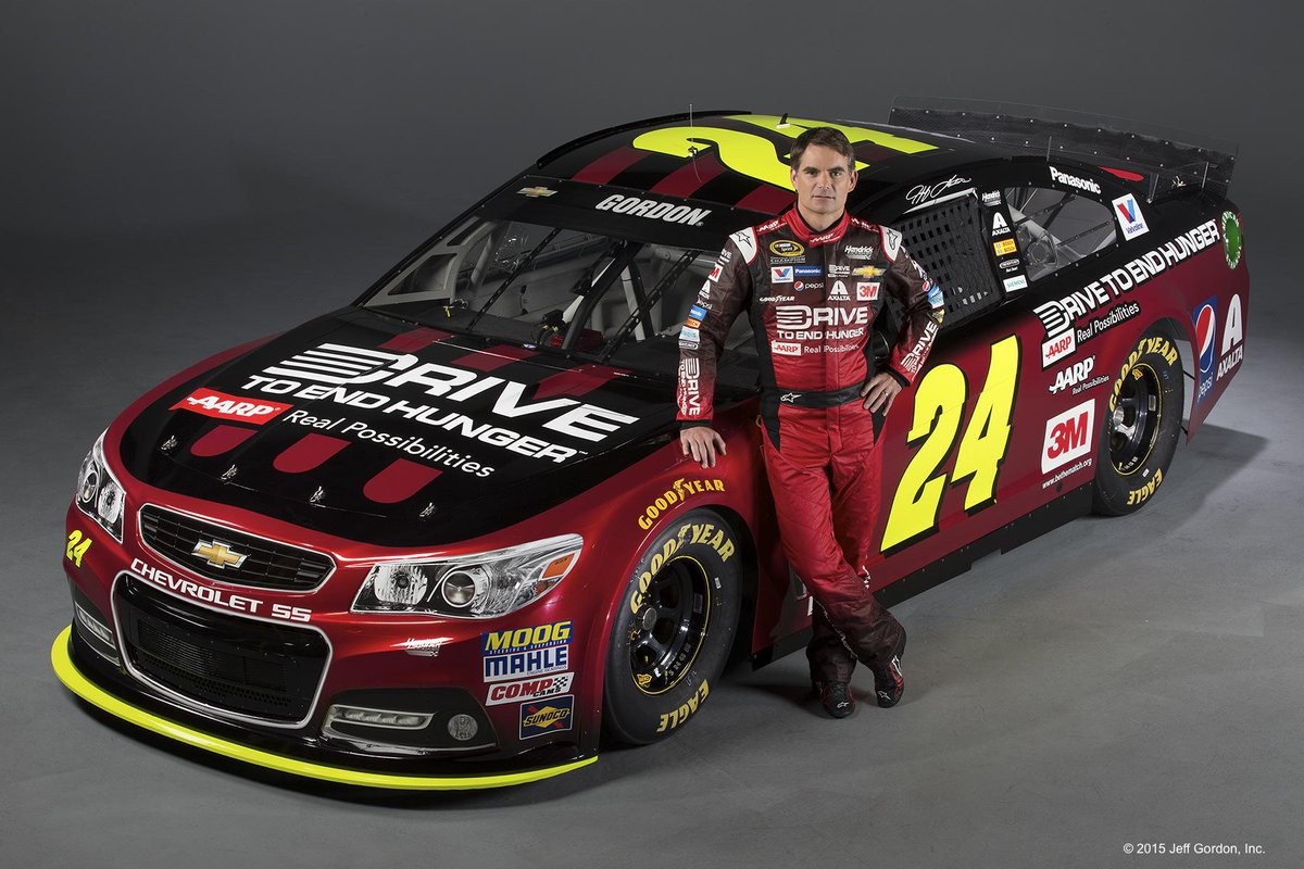 So proud to be a part of @JeffGordonWeb's amazing career! He's a champion on and off the track! #Team24 #endhunger http://t.co/JxOfJ8pWb3