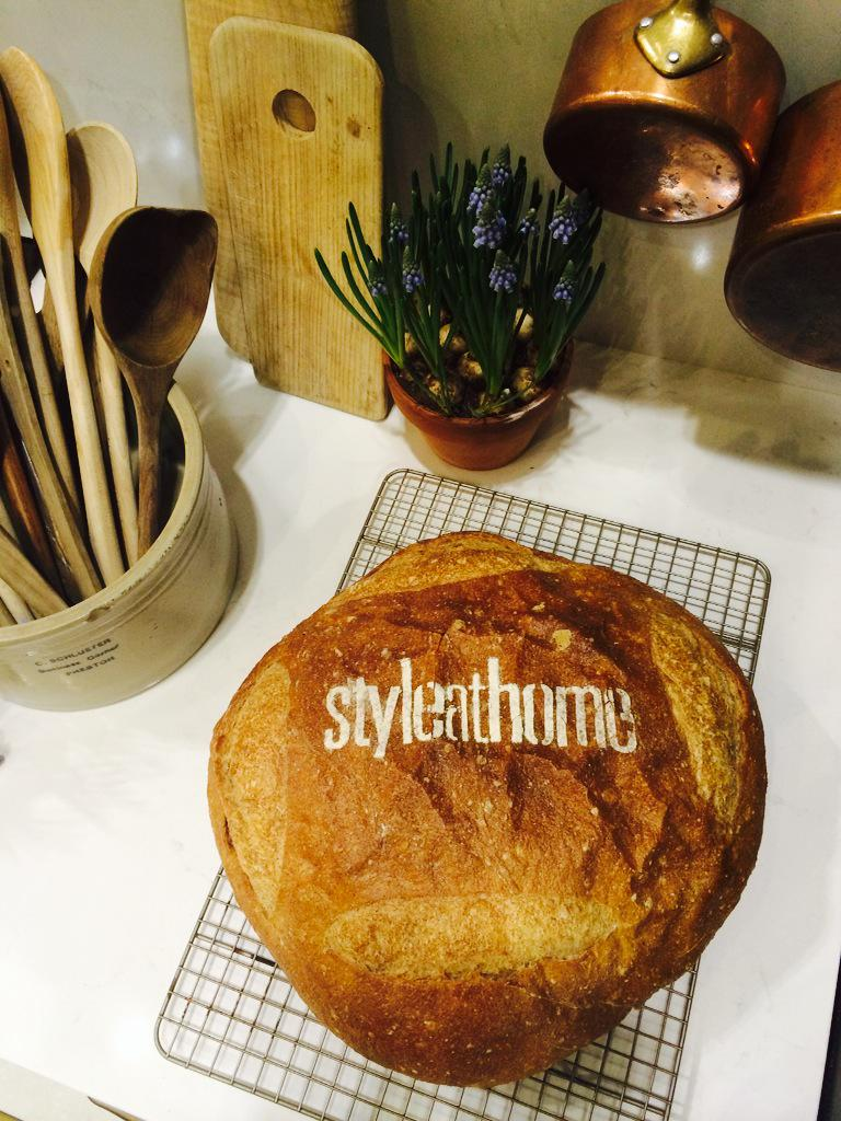 Could there BE better branding than the @StyleAtHome logo baked onto a delicious loaf of @ACE_Bakery bread? #IBS2015 http://t.co/DAIG7fVedP