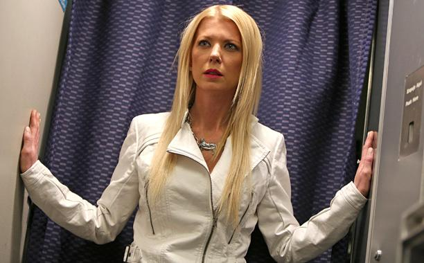 Tara Reid, Ian Ziering returning for @Syfy's 'Sharknado 3':