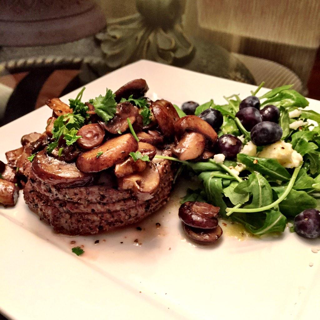 RT @JaySmith273: Italian steak w/ balsamic mushrooms & arugula salad w/ blueberry & feta #CookingStreak @GuyGourmet #foodporn http://t.co/U86pZt0Xbu