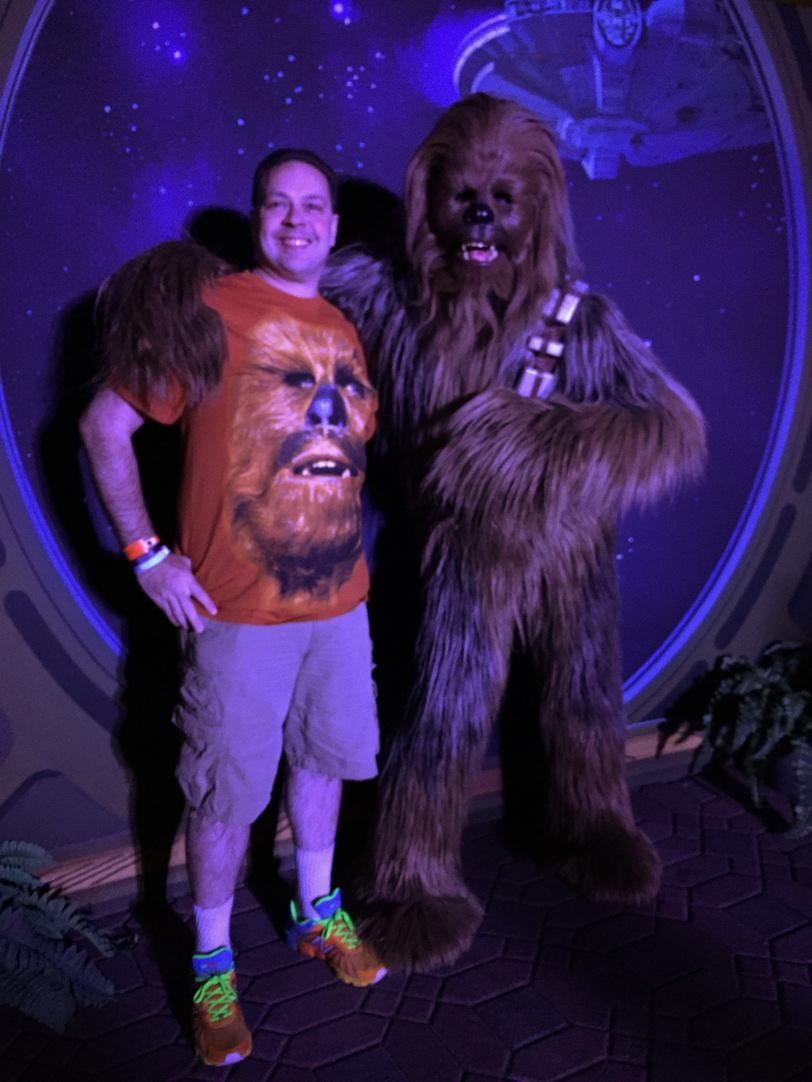 Chewie loved my Chewie Shirt! :-) #runDisney #swwmmp #starwarshalf #RebelChallenge http://t.co/WsHoFZ1QAT