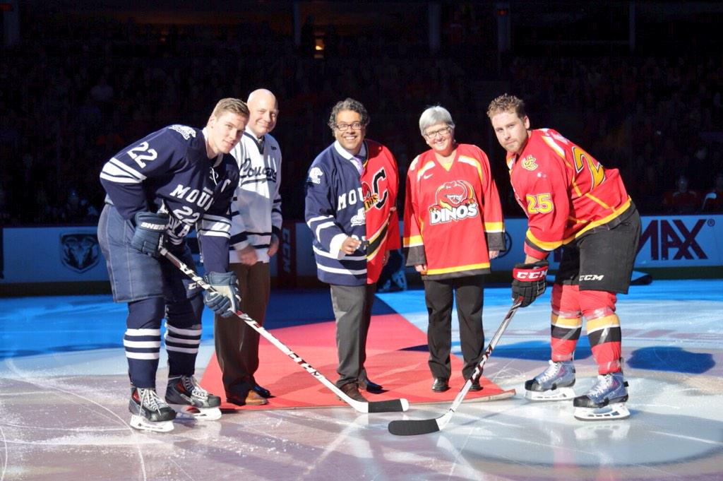 Mayor @nenshi dropping the puck for the ceremonial faceoff. @DavidDMRU @MRUCougars #crowchildclassic http://t.co/09ZqyJ2vhW