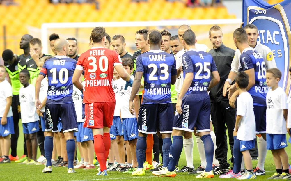 Jour de match l 39 estac affronte tours au stade de la for Match estac