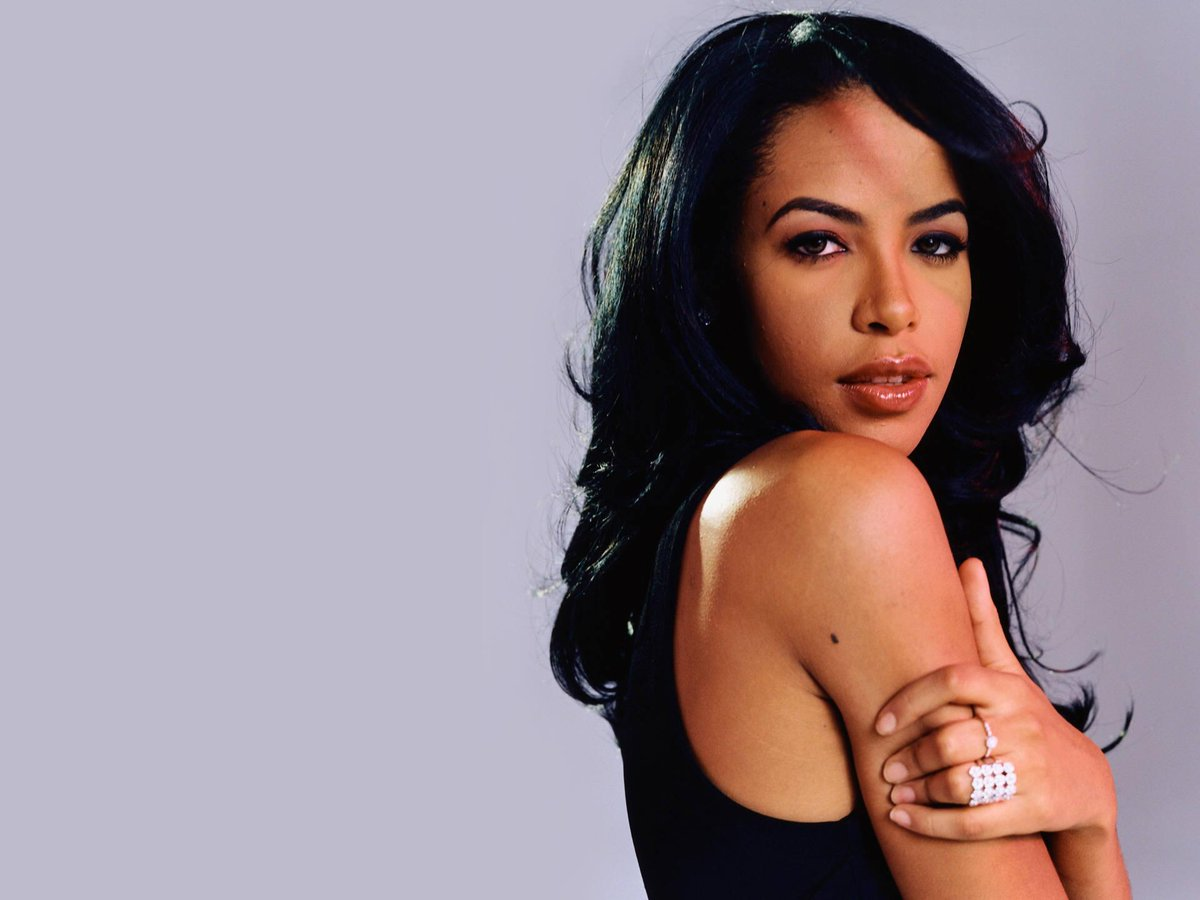 Happy Birthday Baby Girl #Aaliyah  we miss you!