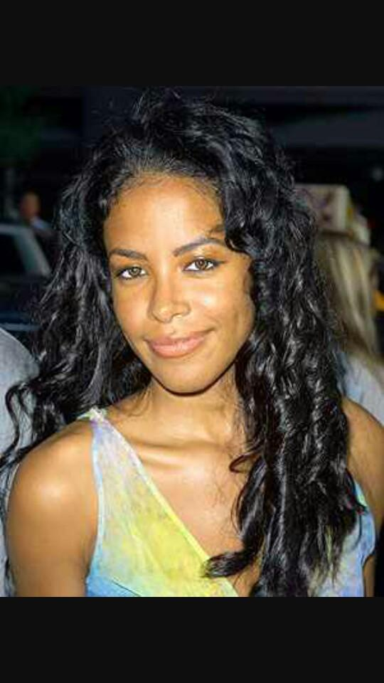 #HappyBirthdayAaliyah {This is one of my favorite photos of her} @RAD_6  #TeamAaliyah http://t.co/M4jSgFw6LT
