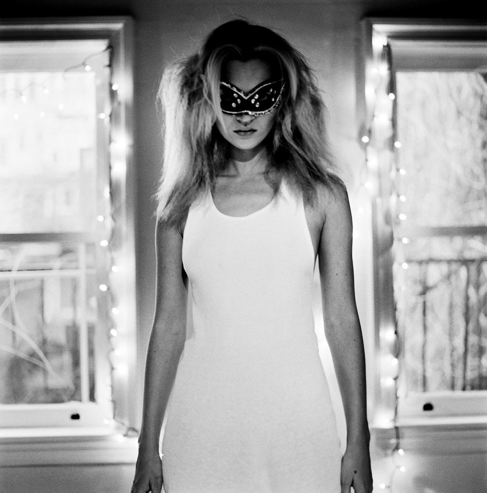 RT @ACorbijn_News: Happy birthday Kate!  © Anton Corbijn, Kate Moss - New York, 1996 http://t.co/KWP5GZ1xlE