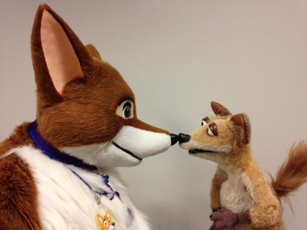 Nelson has been making new friends at @furcon! http://t.co/ecFaKUqGhv