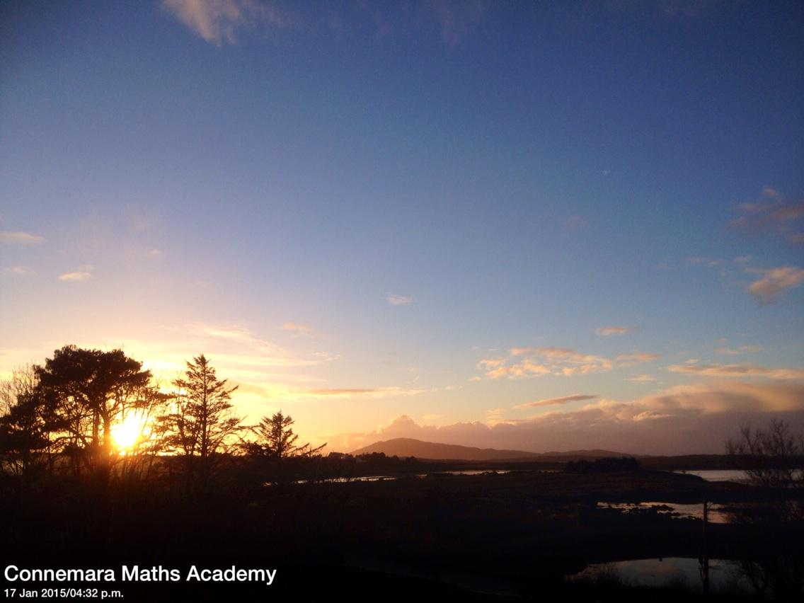 January #Sunset #Cashel #Connemara this evening. Feels like Spring. @ConnemaraJ @DiscoverIreland http://t.co/8bxhpGY9Dt