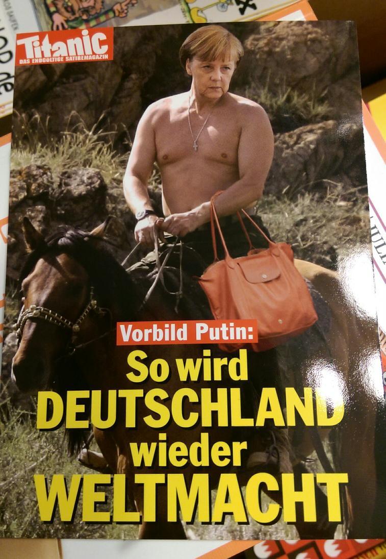 """Нашел открытку в книжном магазине в Нюрнберге. Перевод - """"Так Германия станет снова мировой державой!"""" http://t.co/OmYsHW6ucl"""