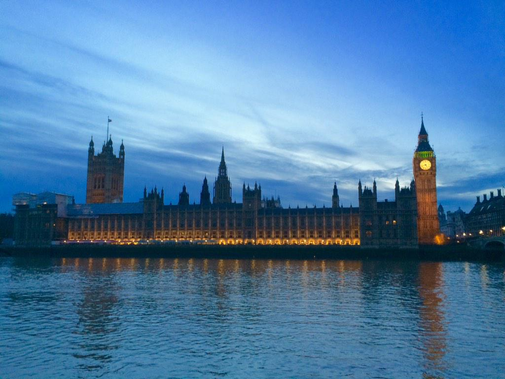 It's very difficult to walk along the Southbank and not take a photo of the incredible Houses of Parliament. http://t.co/ZqiKgqCHPK