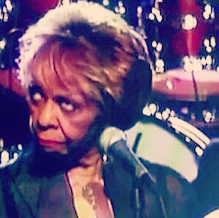 Sissy looking at #Whitney have all this sex like......... Lol http://t.co/03kEoeAkOD