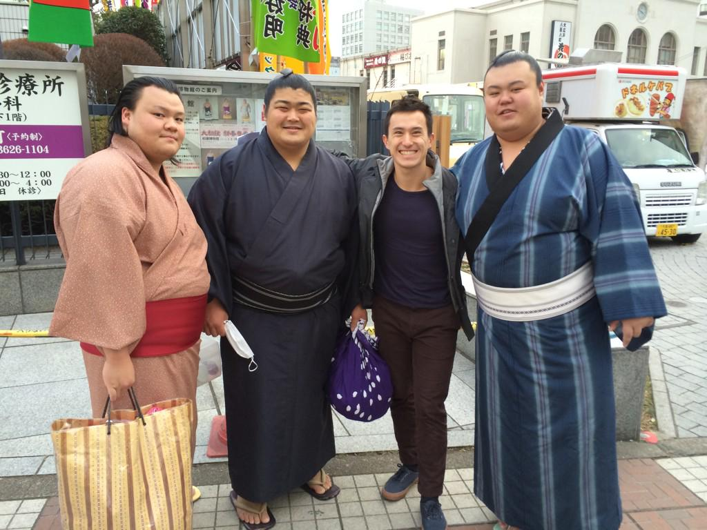 Made some new friends at the Sumo tournament in Tokyo. #dontmesswithme #bodyguards http://t.co/4ZIeb0iKRx