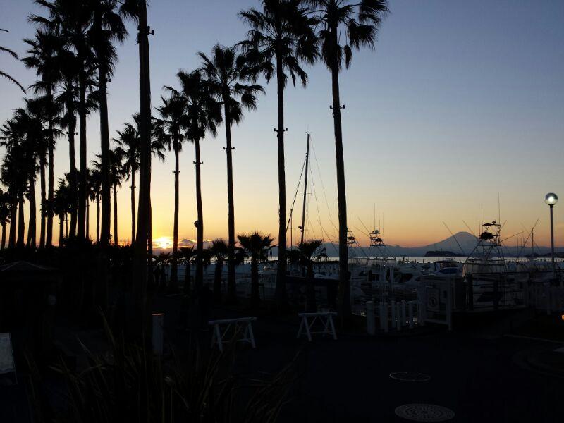 サテライトスタジオからの夕景、癒されます♪ http://t.co/4YWZz4DKZL