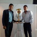 RT @Maheshbhupathi: World Cup Trophy @rohanbopanna #teamindia #bringitback #bleedblue #MCG