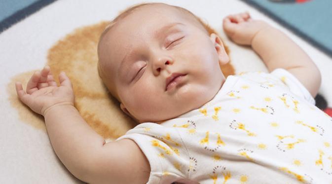 Cara Memindahkan Bayi Yang Sedang Tidur Tanpa Membangunkannya - AnekaNews.net