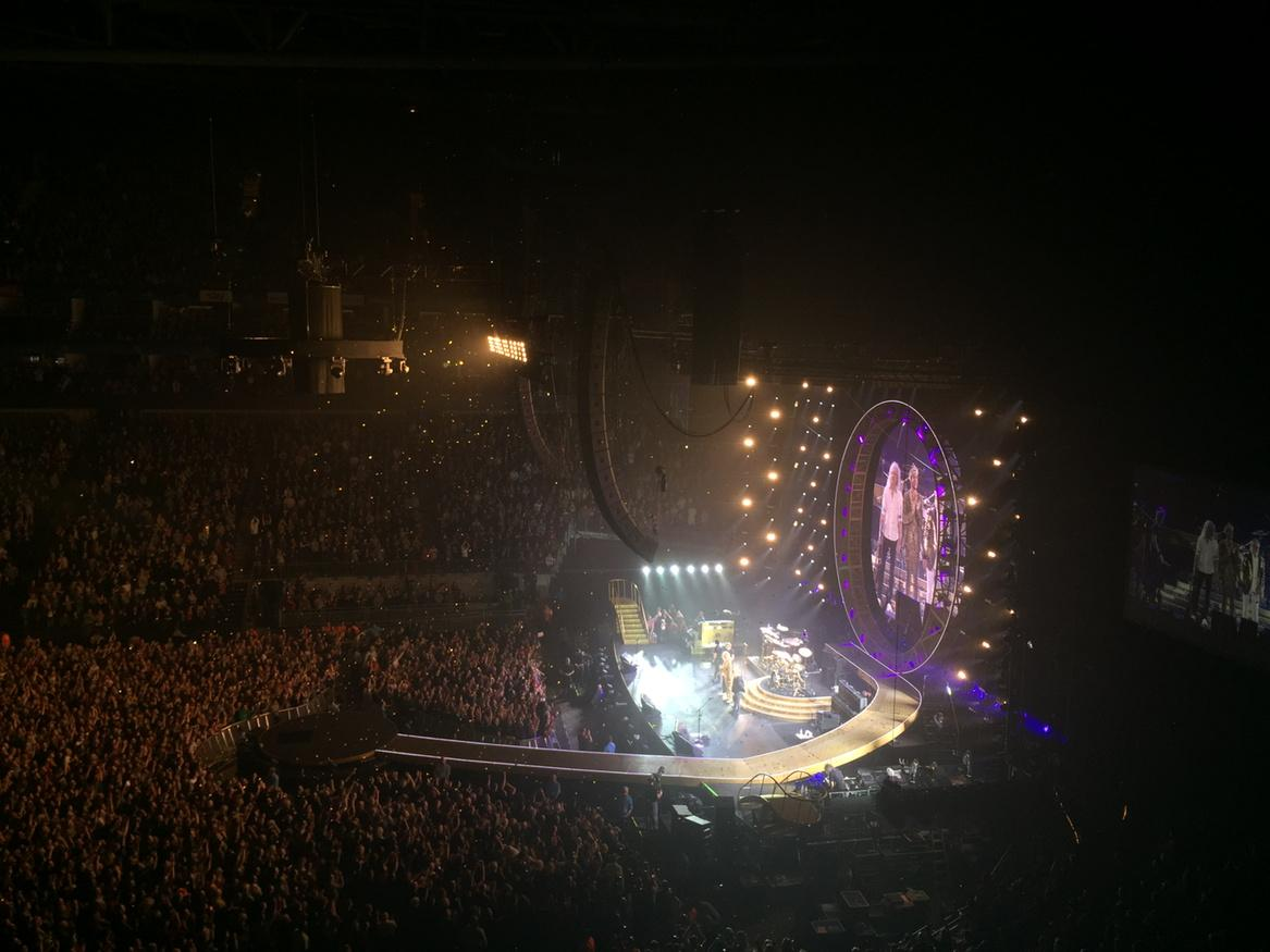 No show more magnificent than @QueenWillRock @DrBrianMay @OfficialRMT @adamlambert  awesome http://t.co/CKP0UPk7QL