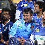 Superstars @KicchaSudeep @dasadarshan @ccl match in BLR http://t.co/HzULRGllQC