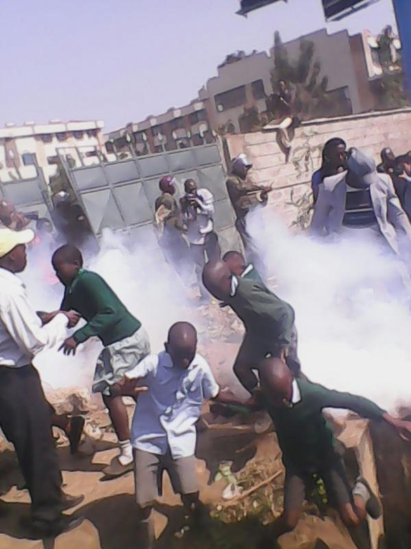 """#OccupyPlayGround: Police use teargas to disperse pupils from the Langata Pri. School playground. """" #Shame #Shame http://t.co/Vcx5tB1NnC"""